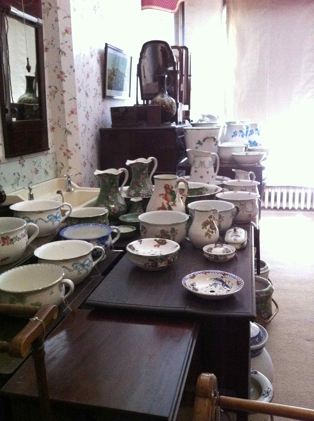 chamber pots, pitchers, and bowls