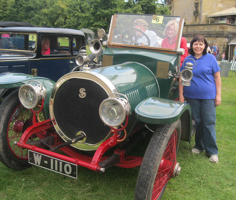1912 Antique car at Chatsworth Country Fair